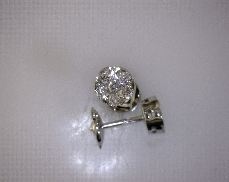 18kW 1.03ctw Diamond Cluster Earrings