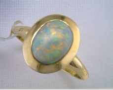 14 Karat Yellow 1.54ct Semi-Black Oval Opal Ring