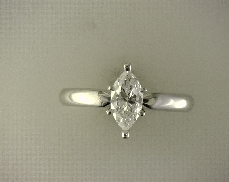 14kW/Plat 0.68 ct E I1 Marquise Diamond Solitaire Engagement Ring